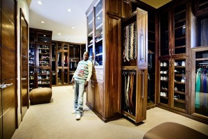 Floyd-Mayweather-Jr.-Mansion-ICEDOTCOM7